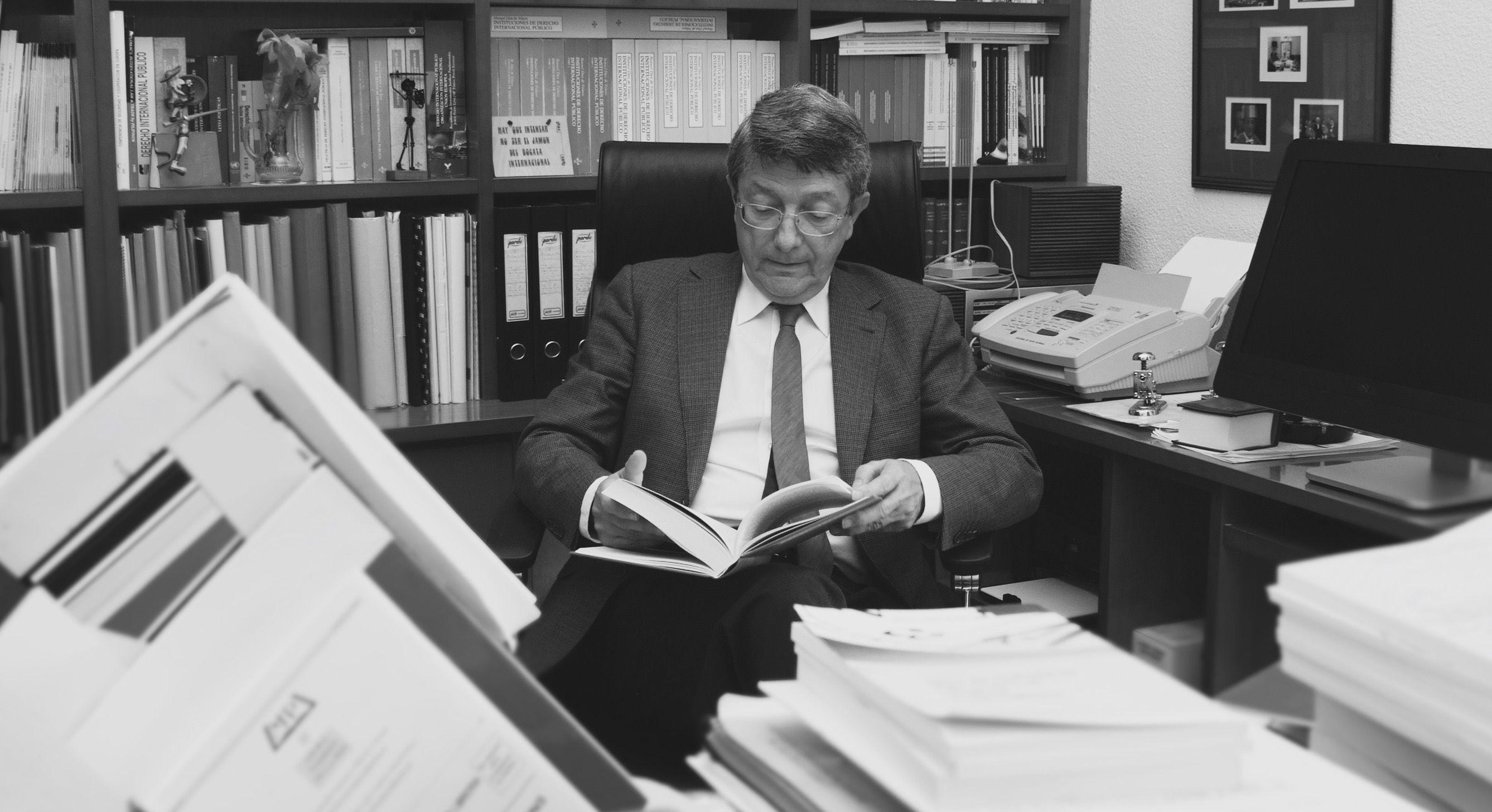 Dr. Dr. Carlos Jimenez Piernas